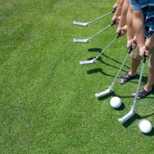 swinging a putter