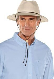 Golfer in bucket hat